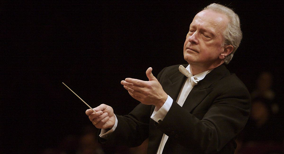 Antoni Wit conducts FOK Prague Symphony Orchestra at Smetana Hall