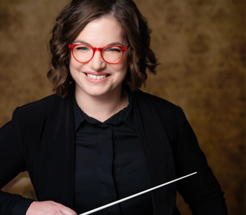 Noam Aviel conducts live concert with Israel Raanana Symphonette