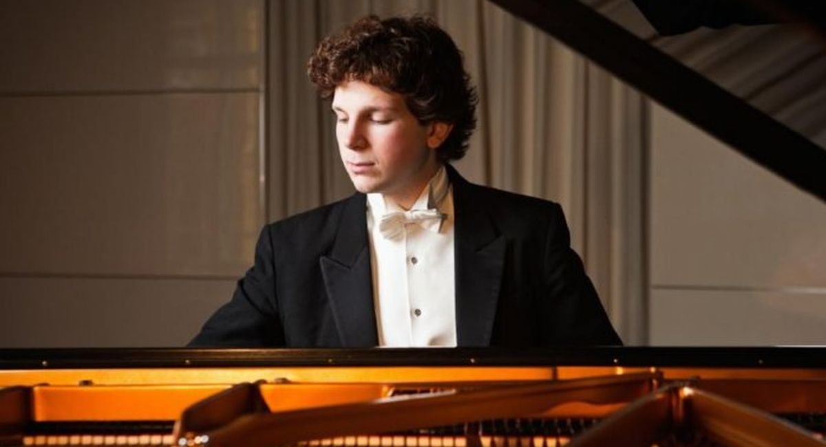 Artist Management Worldwide is delighted to welcome Australian-British prize-winning pianist Jayson Gillham to its roster.